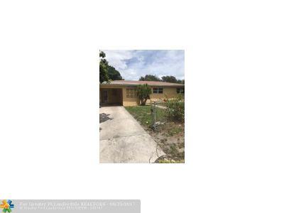 Miami Single Family Home For Sale: 1631 NE 149 St