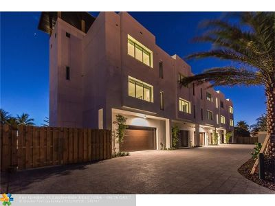 Lauderdale By The Sea Condo/Townhouse For Sale: 242 Garden Ct #242