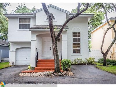 Plantation Single Family Home For Sale: 9837 NW 2nd Ct