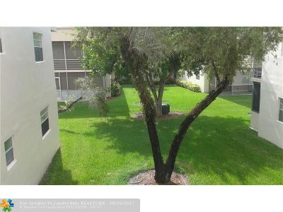 Delray Beach Condo/Townhouse For Sale: 612 Burgundy M #612