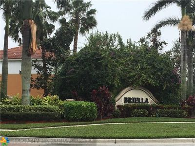 Boynton Beach Condo/Townhouse For Sale: 7211 Briella Dr #95