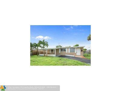 Oakland Park Single Family Home For Sale: 800 NE 59th Ct