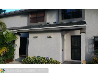 Broward County Condo/Townhouse For Sale: 3393 Carambola Cir S #2441