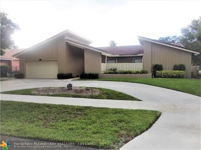 Cooper City Single Family Home For Sale: 2685 Lake Way