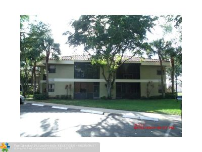 Coconut Creek Condo/Townhouse For Sale: 2500 NW 49th Ter #744