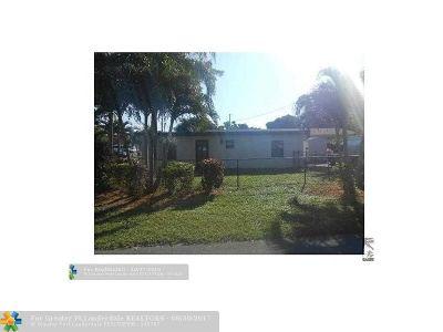 Pompano Beach Multi Family Home For Sale: 234 NE 14th Av