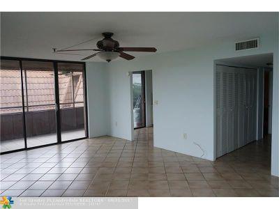 Miami Condo/Townhouse For Sale: 661 NE 195th St #403