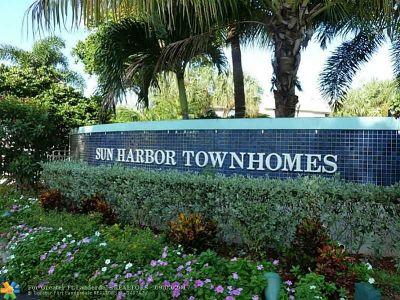 Pompano Beach Condo/Townhouse For Sale: 2735 NE 15th St