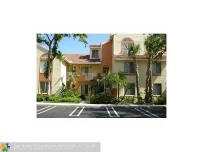 Coral Springs Condo/Townhouse For Sale: 928 Coral Club Dr #928