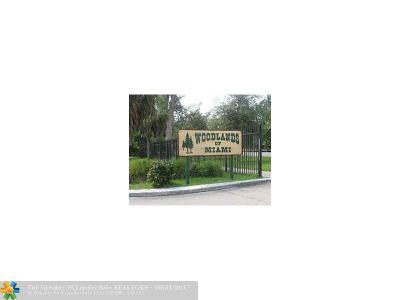 Miami Condo/Townhouse For Sale: 14218 NE 2nd Ct #2C
