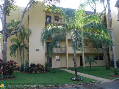 Plantation Condo/Townhouse For Sale: 471 N Pine Island Rd #102D