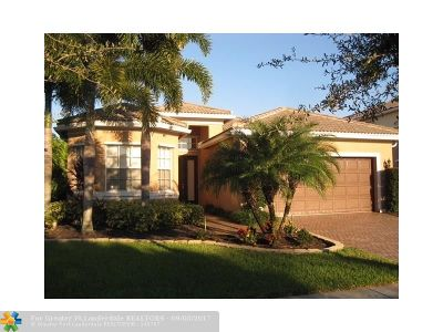 Boynton Beach Single Family Home For Sale: 8380 Emerald Winds Cir