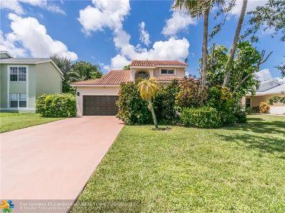 Boynton Beach Single Family Home For Sale: 6881 Barnwell Dr