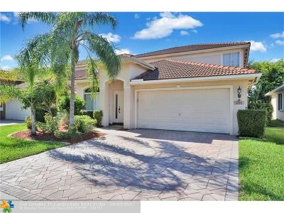 Coconut Creek Single Family Home For Sale: 3761 N Woodfield Ct
