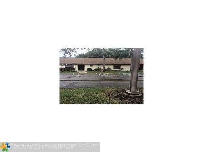 Boynton Beach Condo/Townhouse For Sale: 86 Via De Casas Norte #86
