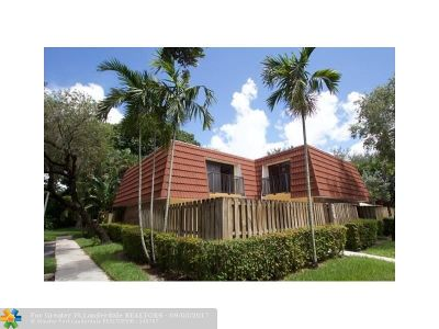 Plantation Condo/Townhouse For Sale: 756 NW 99th Cir #756