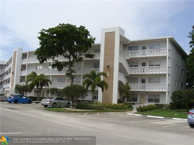 Deerfield Beach Condo/Townhouse For Sale: 2042 Lyndhurst J #2042