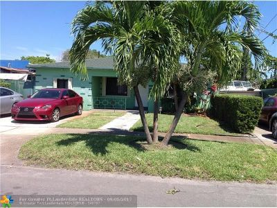 Hallandale Single Family Home For Sale: 1010 NW 6th Ter