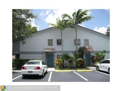 Oakland Park Condo/Townhouse For Sale: 2765 S Oakland Forest Dr #201