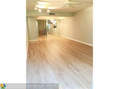 Boca Raton Condo/Townhouse For Sale: 23345 Carolwood Ln #108