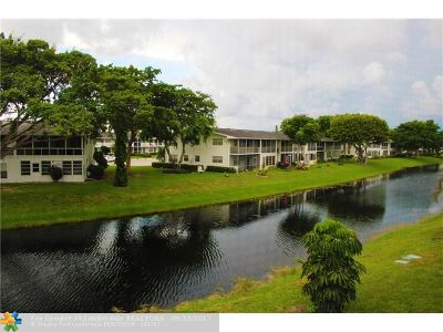 Deerfield Beach Condo/Townhouse For Sale: 85 Lyndhurst D #85