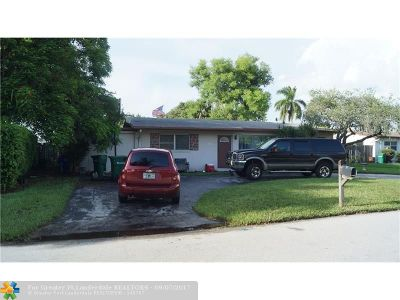 Margate Single Family Home For Sale: 6106 NW 8th St