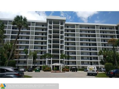 Broward County Condo/Townhouse For Sale: 4015 W Palm Aire Dr #902