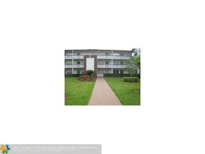 Boca Raton Condo/Townhouse For Sale: 392 Mansfield J #J