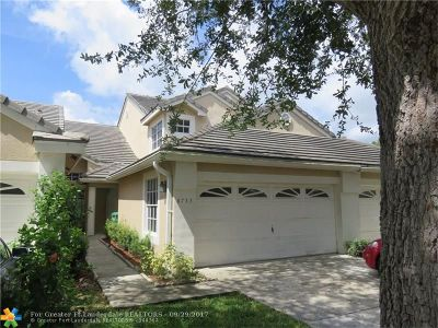Coral Springs Condo/Townhouse For Sale: 8753 Forest Hills Blvd #27-F