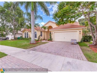 Davie Single Family Home For Sale: 9915 Ridge Trce