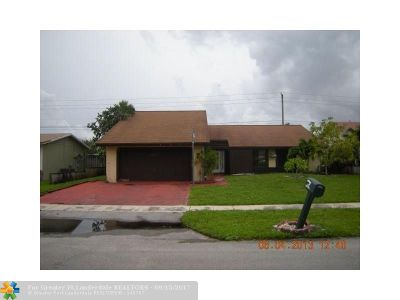 Lauderhill Single Family Home For Sale: 7820 NW 44 Ct.