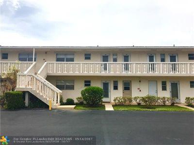 Boynton Beach Condo/Townhouse For Sale: 2222 NE 1st Way #203