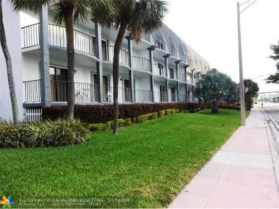 Lauderdale By The Sea Condo/Townhouse Backup Contract-Call LA: 4013 N Ocean #304