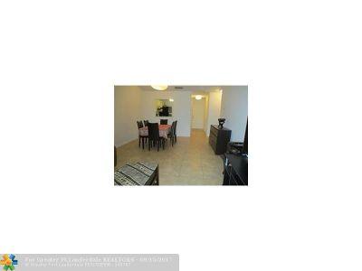 Boca Raton Condo/Townhouse For Sale: 9431 Boca Cove Circle #1013