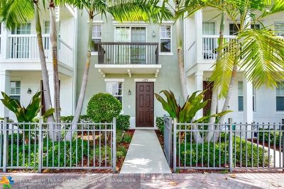 Delray Beach Condo/Townhouse For Sale: 125 SW 2nd Ave #10