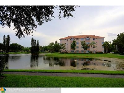Coconut Creek Condo/Townhouse For Sale: 4400 NW 30th St #323