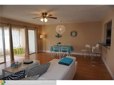 Palm Springs Condo/Townhouse For Sale: 719 Lori Dr #311