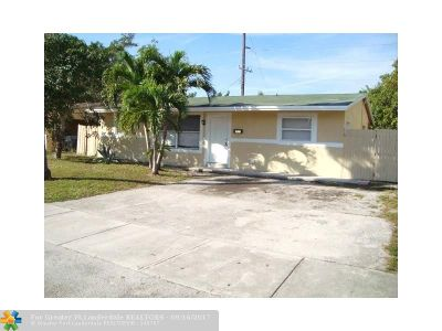 Pompano Beach Single Family Home For Sale: 1831 NW 2nd Ter