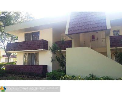 Pompano Beach Condo/Townhouse For Sale: 3201 N Course Ln #212