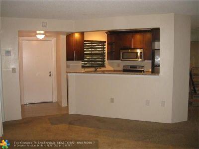 Plantation Condo/Townhouse For Sale: 6755 W Broward Blvd #103