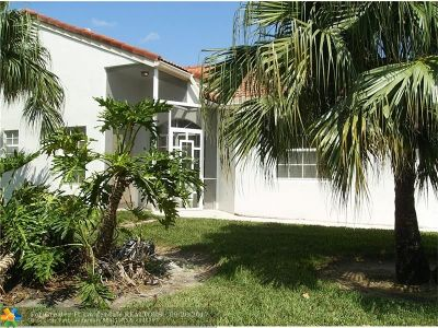 Delray Beach Condo/Townhouse For Sale: 6099 Floral Lakes Dr #6099