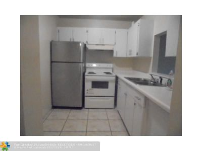 Coral Springs Rental For Rent: 4240 NW 78 Ave #8
