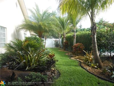 Pompano Beach Single Family Home For Sale: 641 NE 6th St