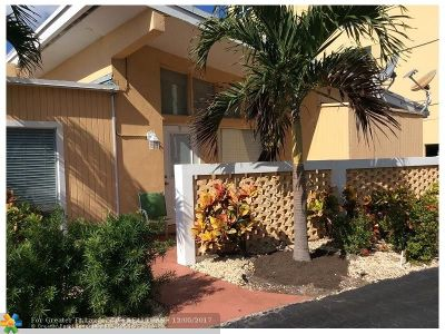Pompano Beach Condo/Townhouse For Sale: 605 N Riverside Dr #9