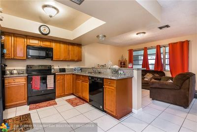 Coral Springs Multi Family Home For Sale: 10141 NW 36th St