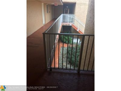 Miami Condo/Townhouse For Sale: 9974 N Kendall Dr #1025