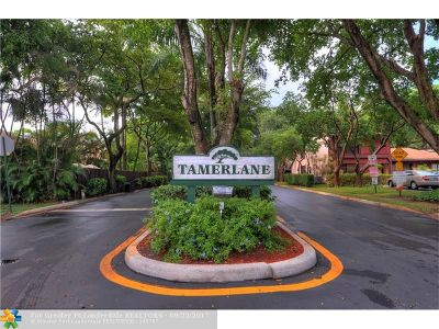 Broward County , Palm Beach County Condo/Townhouse For Sale: 3010 N 35th Ter #3010