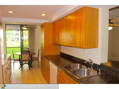 Hollywood Condo/Townhouse For Sale: 1420 Sheridan St #4H