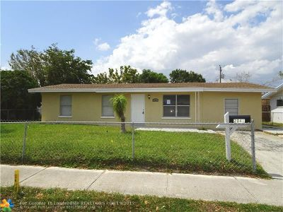Pompano Beach Single Family Home For Sale: 2041 NE 2nd Ter