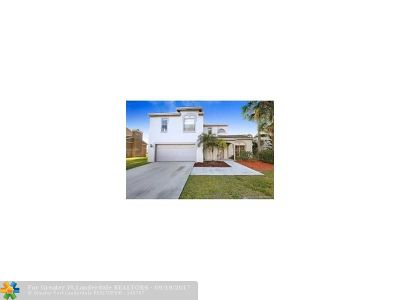 Boca Raton Single Family Home For Sale: 12204 Quilting Ln